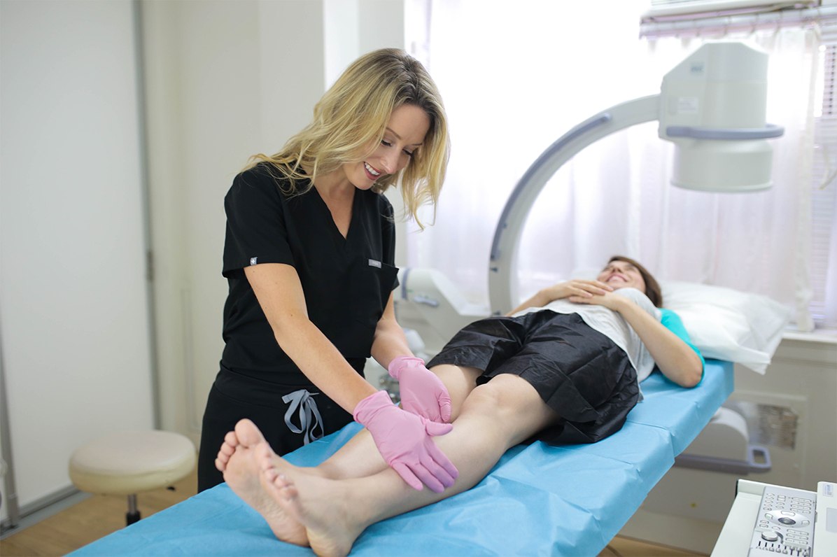Dr. Caroline Novak is the best vein doctor in Jericho, seeing patients at her spider and varicose vein treatment center. This article highlights the 7 qualities of the best vein doctors.